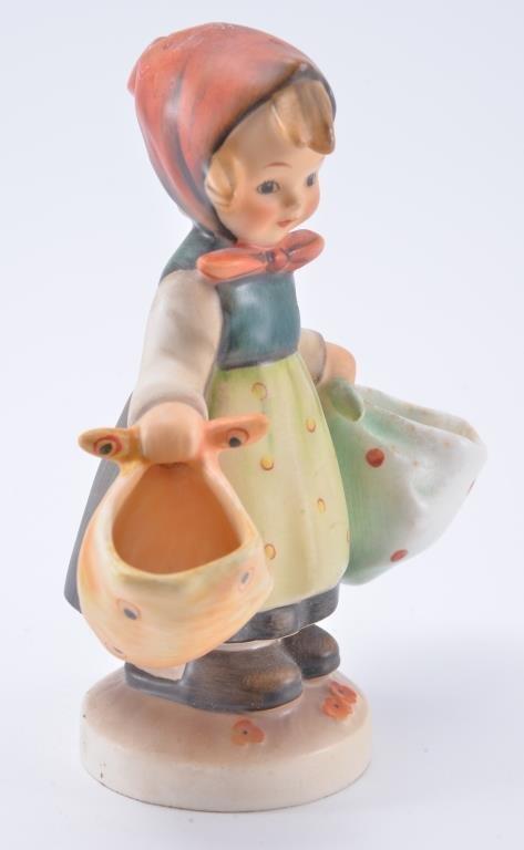Hummel Figurine: Mother's Darling - 3