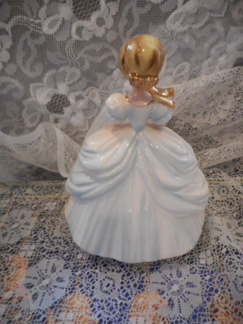 Josef Originals Figurine: White Dress - 2