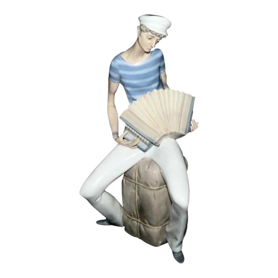 Lladro Figurine: Accordian Player