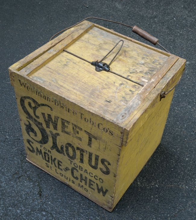 19th C Sweet Lotus Tobacco Crate with Top - 2