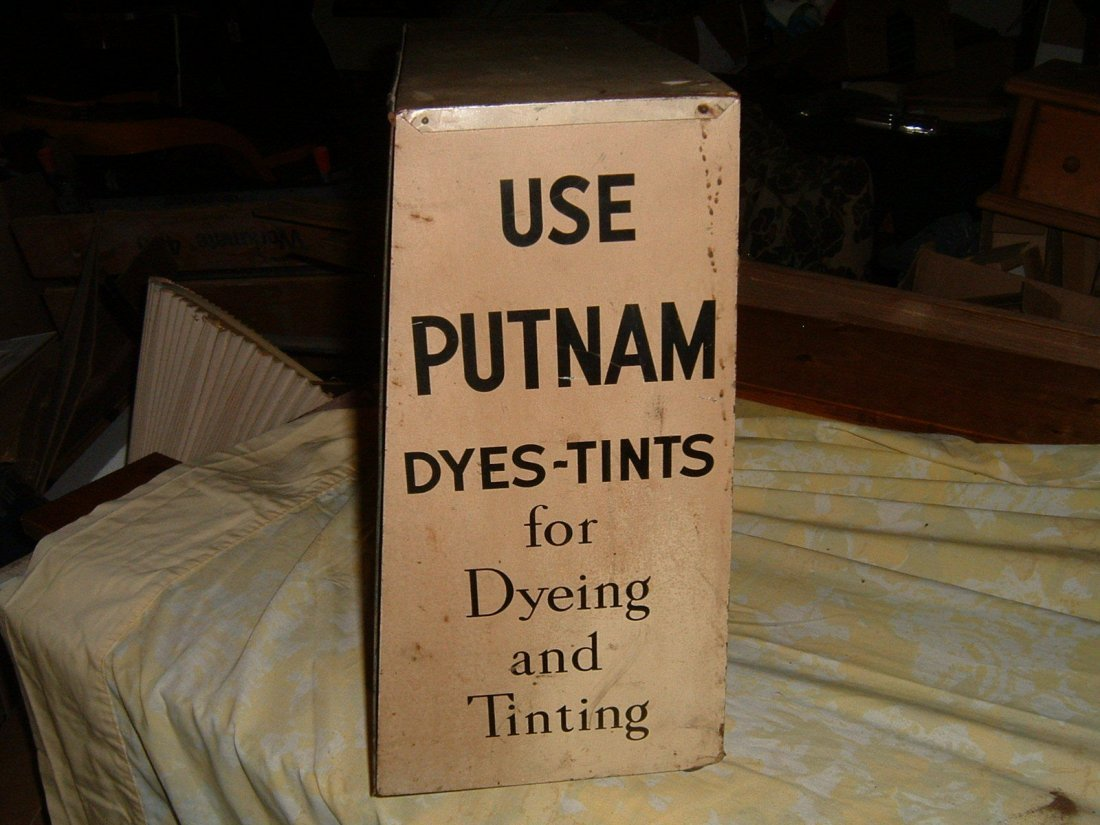 1940s Putnam Store Display - 6