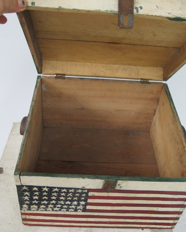 WWII Painted Flag Insignia Box - 6