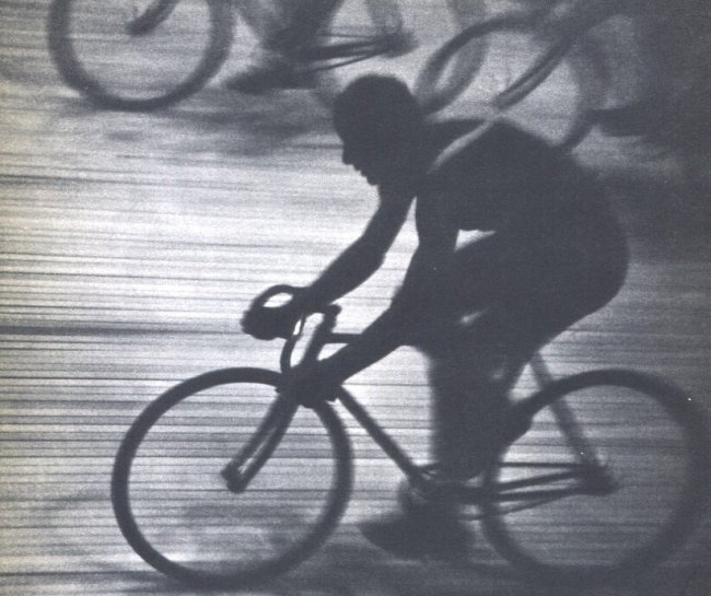 Gordon Coster: Bicycle Race