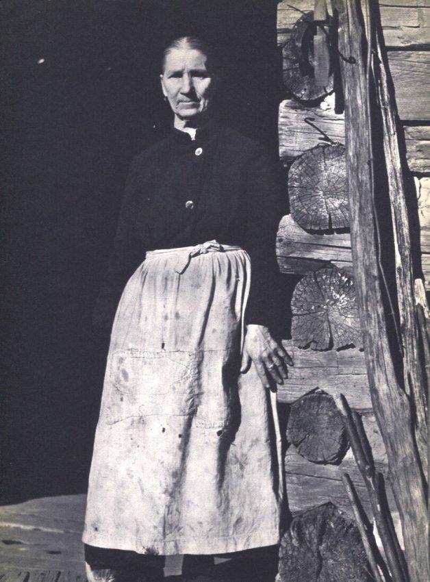 Arthur Rothstein: FSA Photo, Woman on Porch