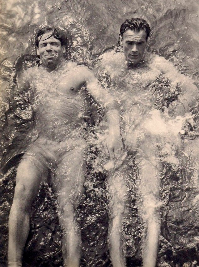 Umbo (Otto Umbehr): Swimmers