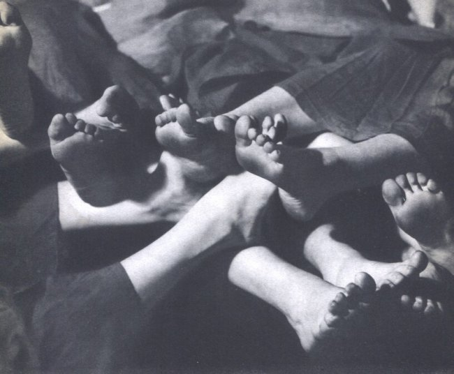 Alfred Valente: Feet