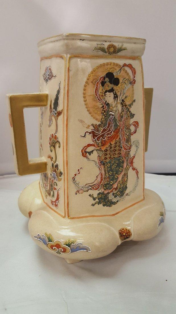 Japanese Satsuma Handpainted Porcelain Vase, 19th Cent - 4