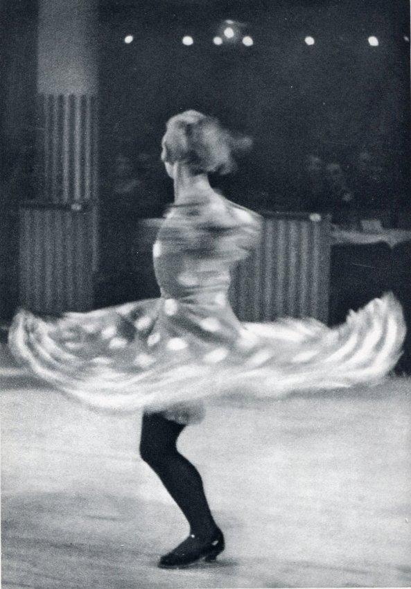 Ilse Bing: Twirling