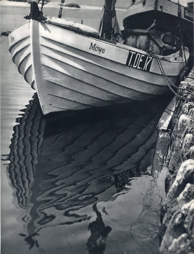 Andreas Feininger: Boat Reflection