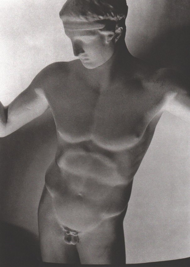 Horst: Greek Statue, Paris 1932
