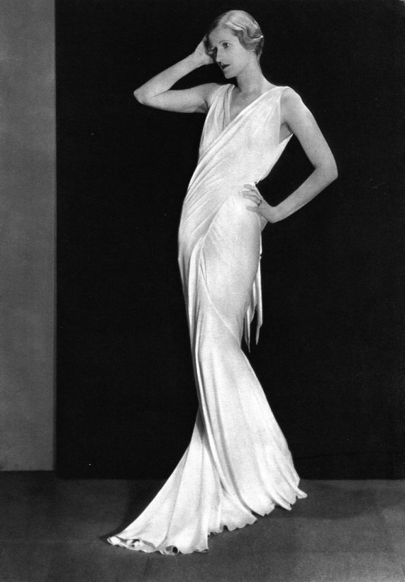 Man Ray: Long White Dress - Fashion