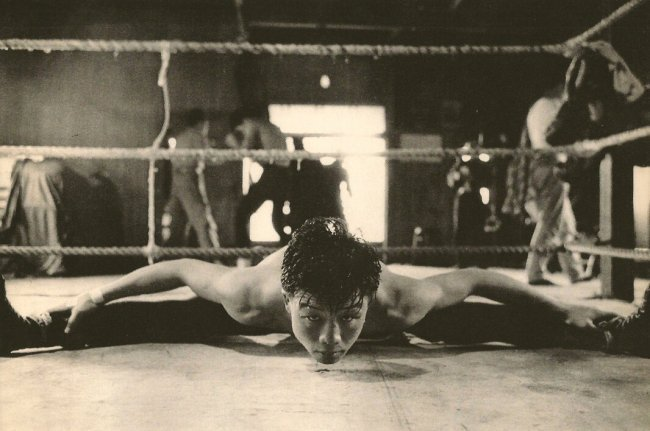 Jun Miki: Stretching
