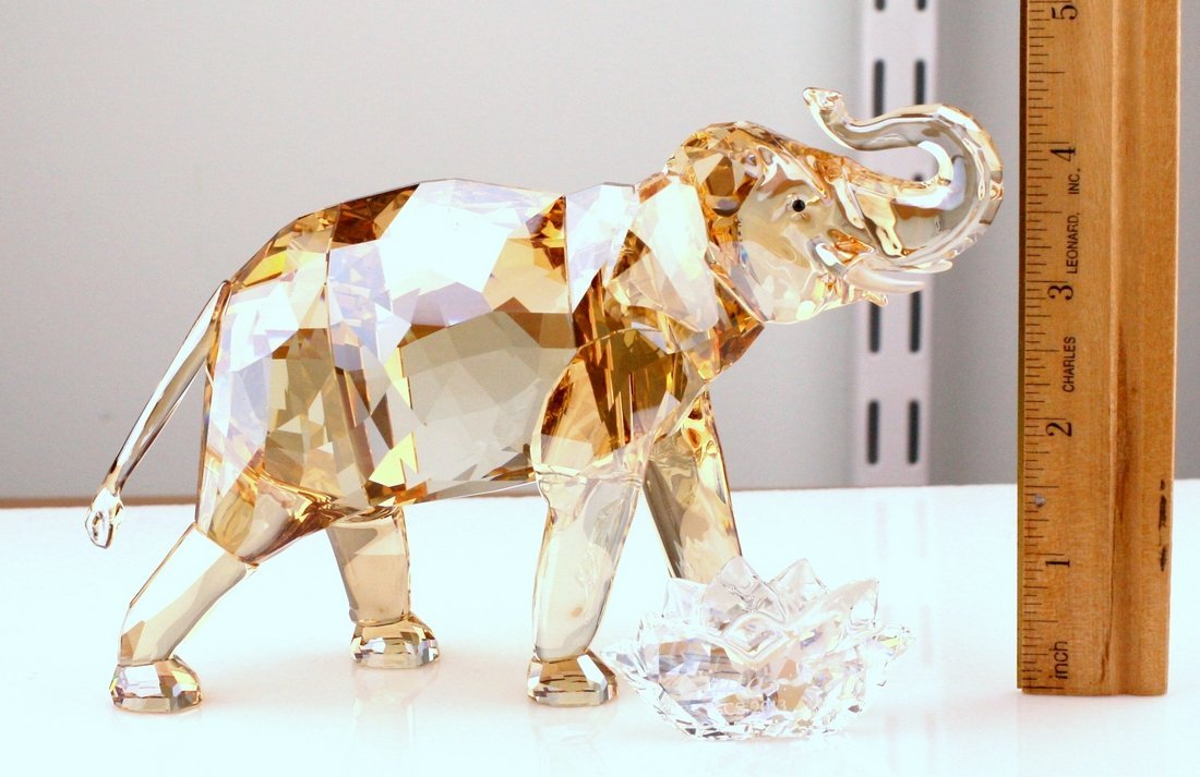 Swarovski Cinta Elephant Mother Crystal Figurine - 2