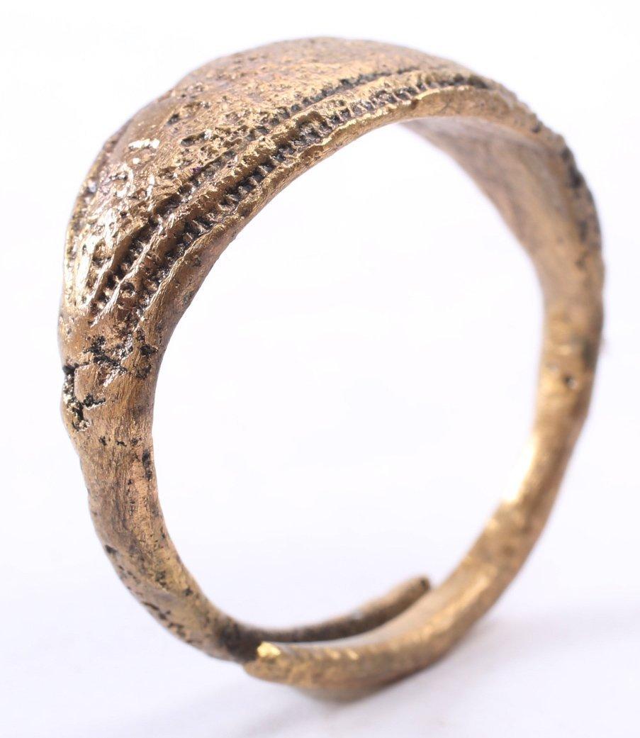Viking Man's Ring 9-11th C - 3