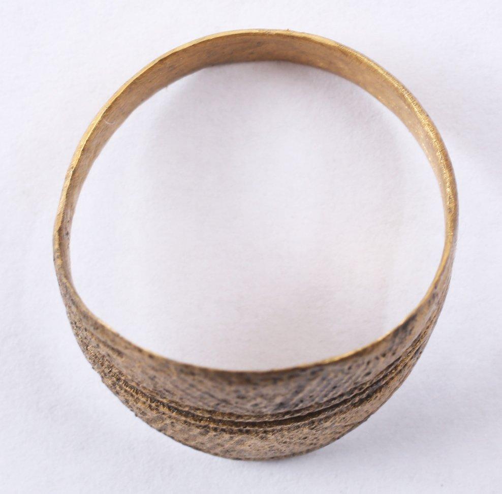 Fine Viking Man's Ring 9-11th C - 2