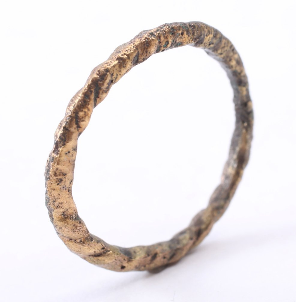 Viking Man's Wedding Ring 10-11th C - 3