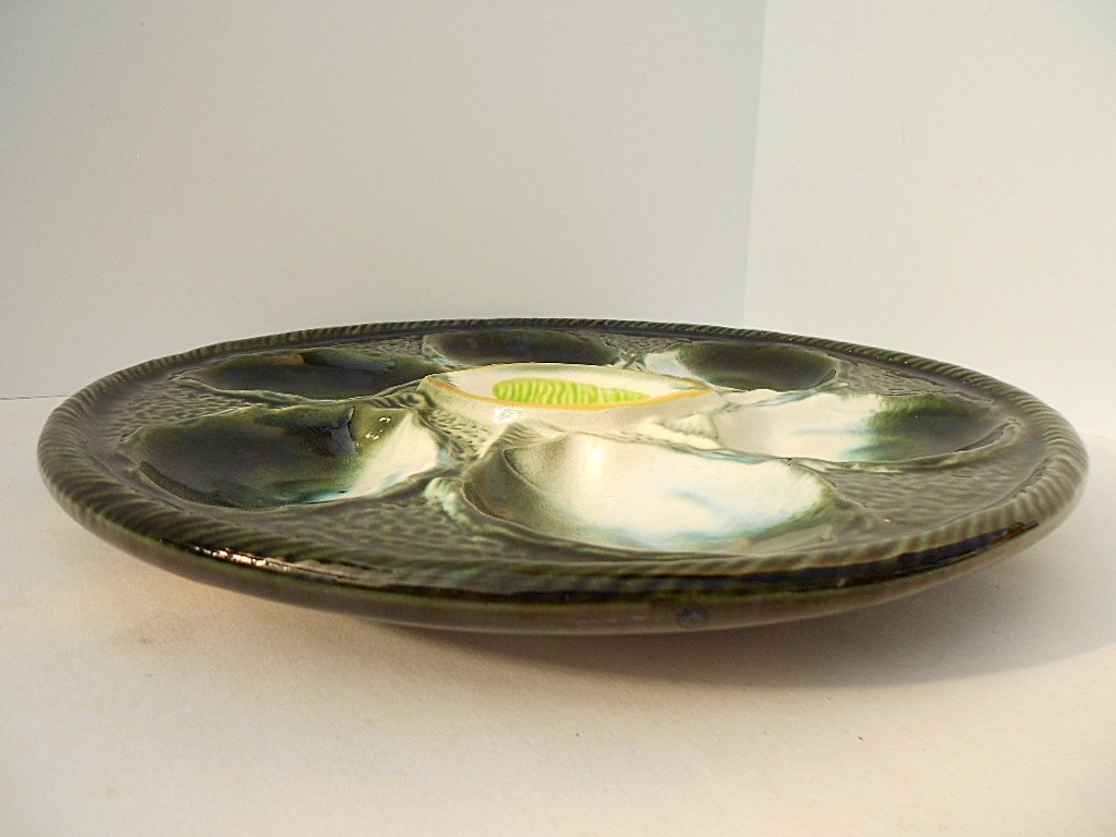 St. Clement Green Majolica Oyster Plate - 4