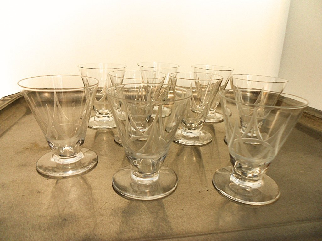 Set of 9 French Art Deco Etched Liquor Glasses - 5