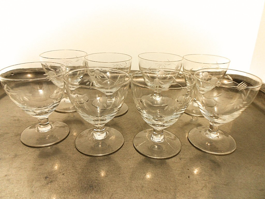 Set of 8 French Etched Floral Liquor Glasses - 4
