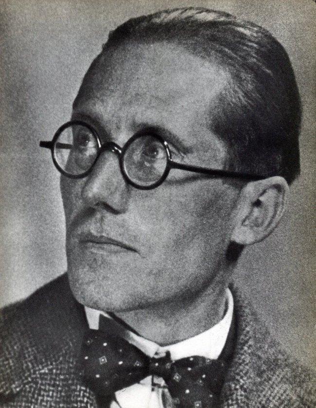 Man Ray: Le Corbusier