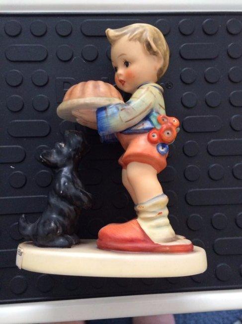 Hummel Figurine: Begging His Share