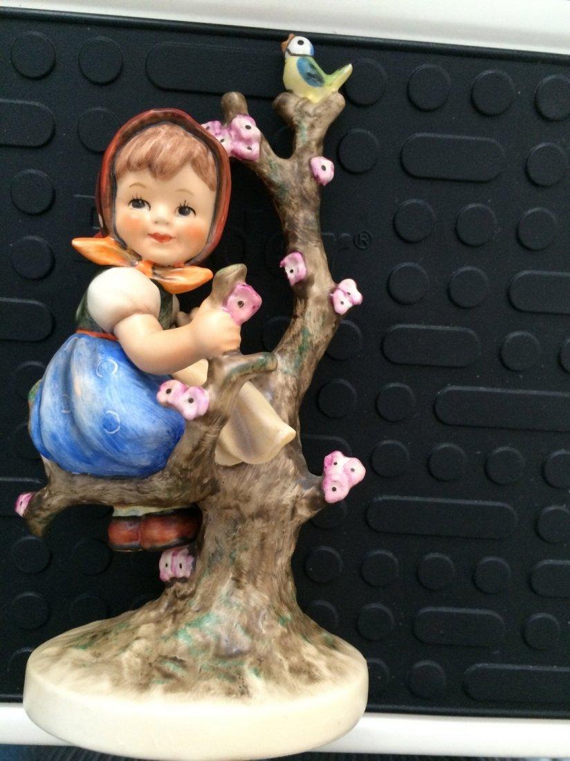 Hummel Figurine: Apple Tree Girl