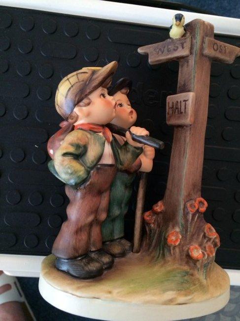 Hummel Figurine: Crossroads