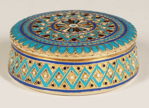 A Russian gilded silver & cloisonne enamel round box