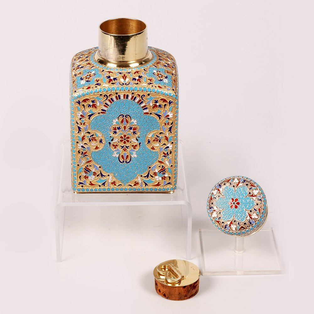 A Russian gilded silver and cloisonne enamel tea caddy - 4