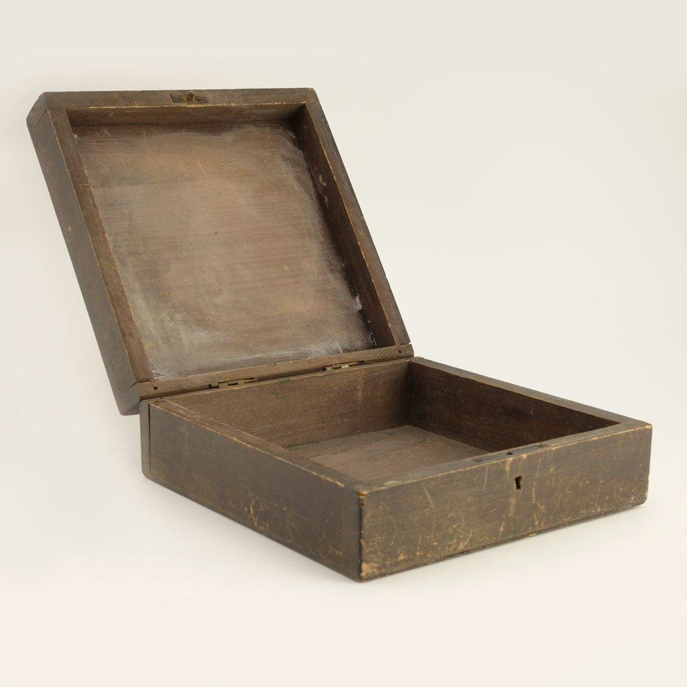 A Russian kustar or folk art jewelry box - 4