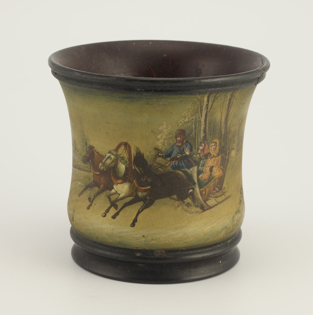 A Russian lacquer beaker or pencil cup