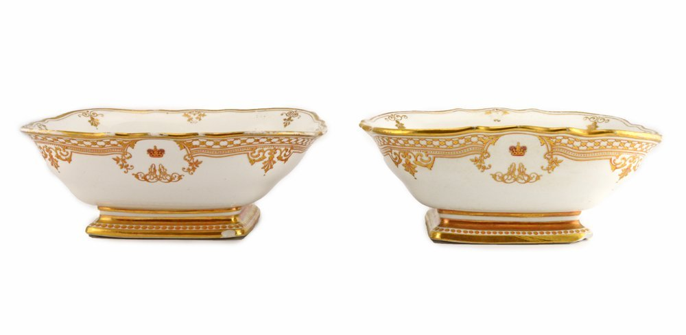 Pair of serving dishes, Alexander Alexandrovich Banquet