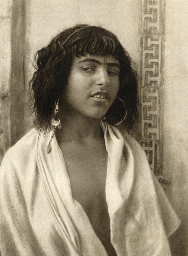 Lehnert & Landrock: Berber Girl, Algiers