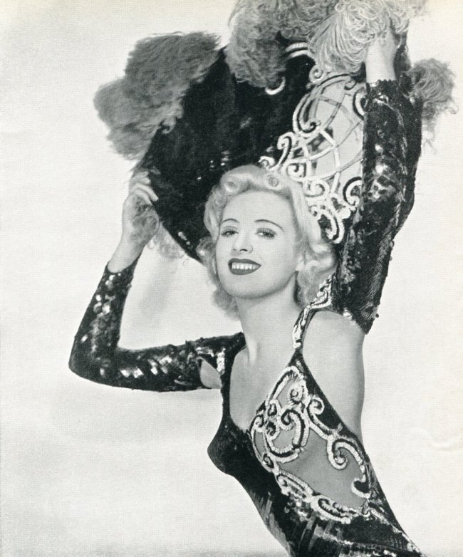 Roye: Desiree Showgirl