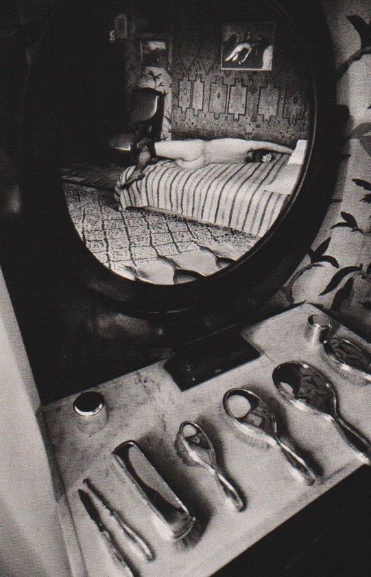 JeanLoup Sieff: Mirror, Paris 1976