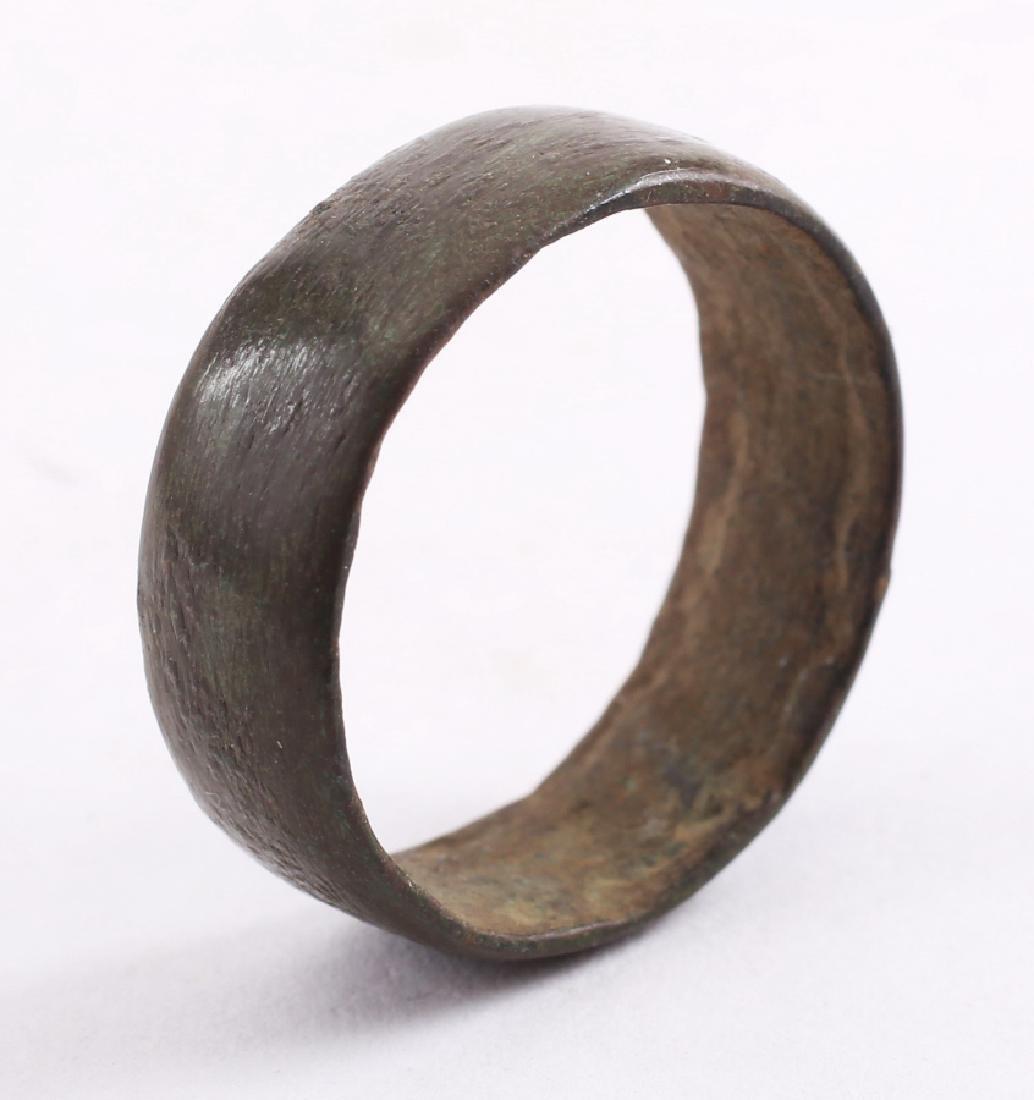 Viking Man's Wedding Ring, 850-1050 - 3