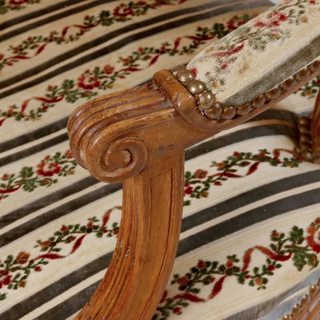 Pair of Louis XVI Style Carved Beechwood Fauteuils en - 3