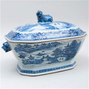 Chinese Export Blue and White Porcelain Tureen and