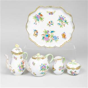 Herend Porcelain Tea and Coffee Service in the 'Queen