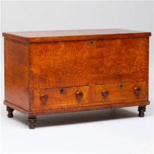 Grain Painted Blanket Chest Opening to a welled
