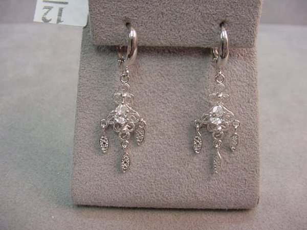 1012: PAIR 14K WHITE GOLD EARRINGS -CLEAR STONE