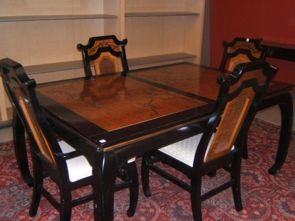 3203: BASSETT ORIENTAL MOTIF DINING ROOM TABLE & CHAIRS