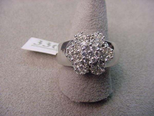 6336: 14K WHITE GOLD DIAMOND RING