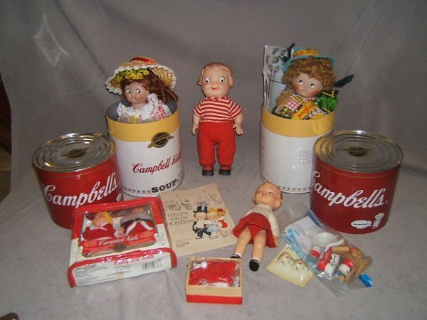 7003: GROUP OF CAMPBELLS KIDS DOLLS AND ITEMS