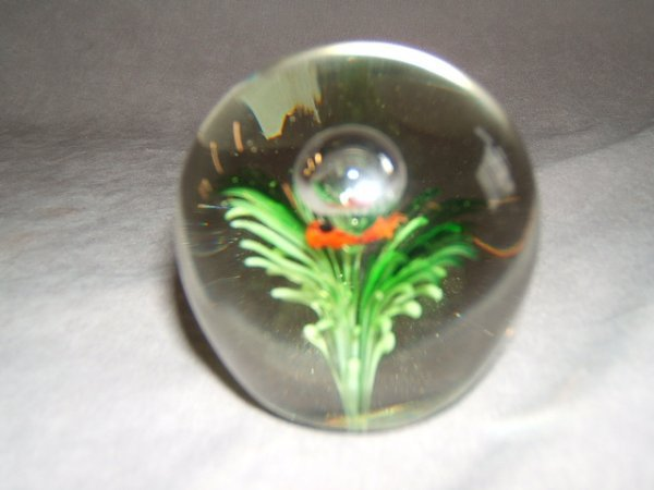 9065: DYNASTY GALLERY GLASS PAPERWEIGHT