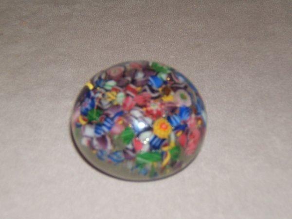 9064: ART GLASS PAPERWEIGHT