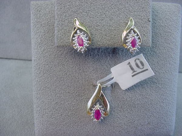 1010: 14K GOLD PENDANT AND EARRINGS -RUBY AND DIAMOND