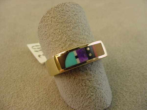 1340: 14K GOLD ONYX, TURQUOISE, CORAL RING -PASSUS??