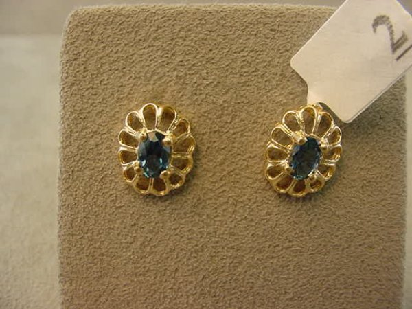 3002: 14K GOLD BLUE SAPPHIRE EARRINGS