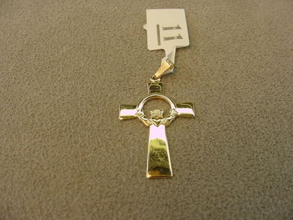 3011: 14K GOLD CLADDAUGH CROSS PENDANT
